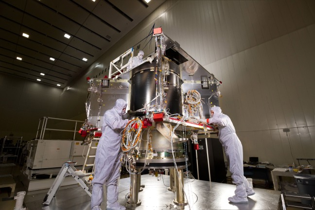 Osiris_rex_Spacecraft-assembly